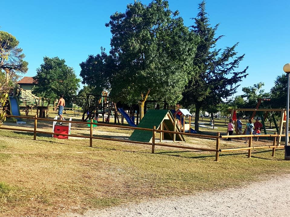 Parque fantil Camping El MOLINO