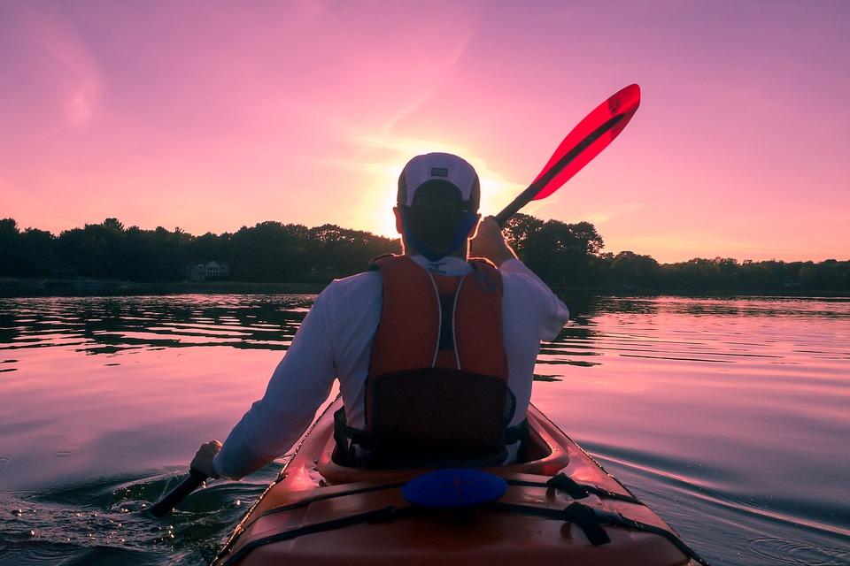 Acércate al mar de Navarra y disfruta de los deportes de agua. Disfruta del embalse de Alloz