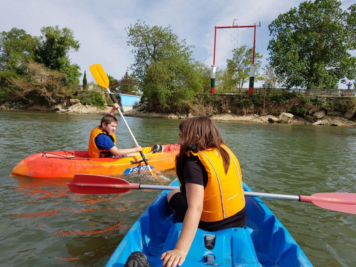 ¡Tenemos embarcadero propio con salida al río Arga!