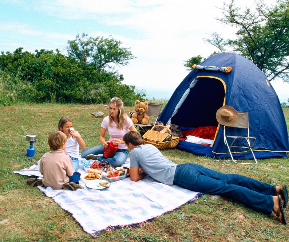 Cosas que no debes olvidarte en tu escapada de camping en familia