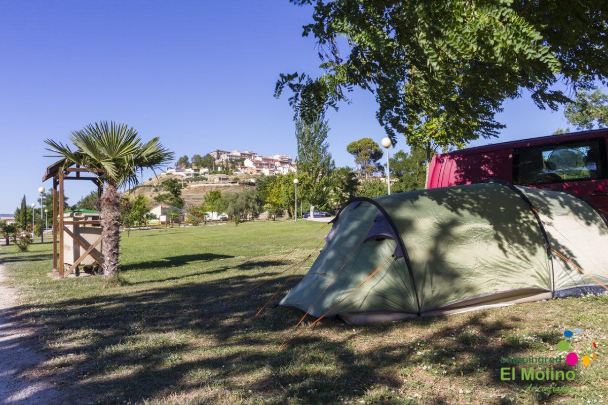 De camping y con todas las comodidades para disfrutar del verano